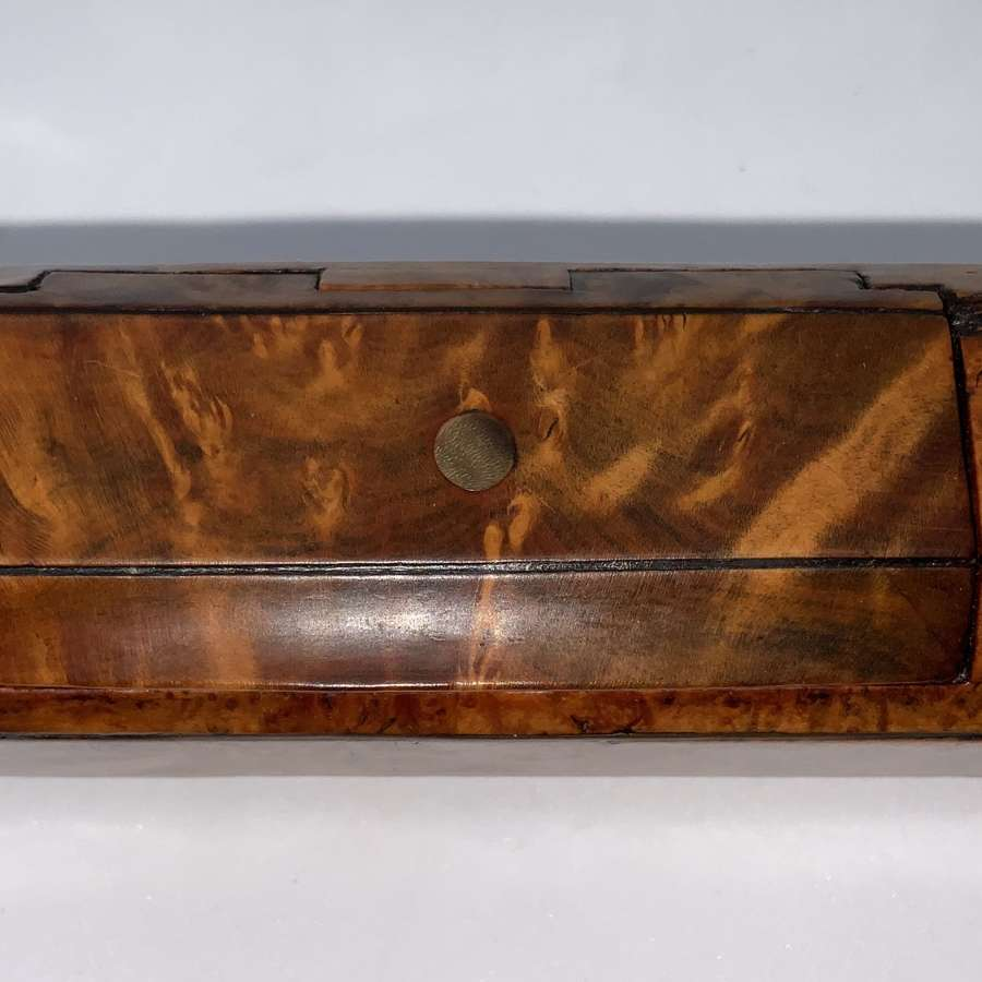 Burr walnut snuff box