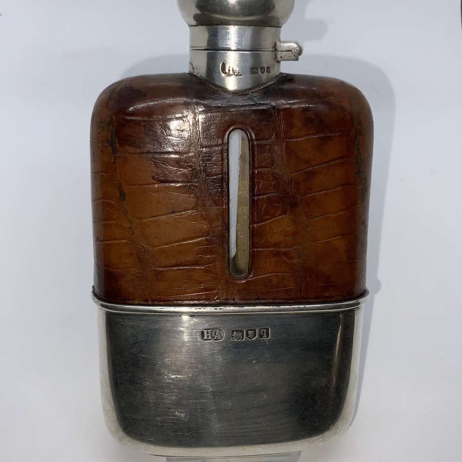 Hipflask silver and leather