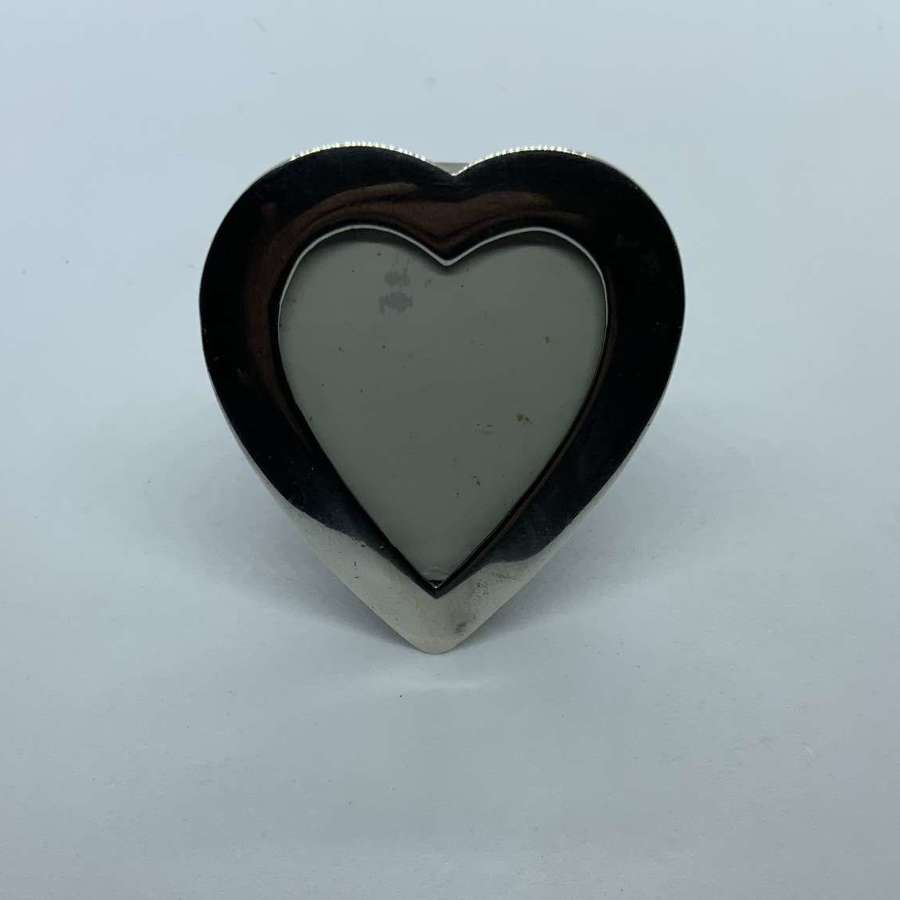 Heart shaped silver frame